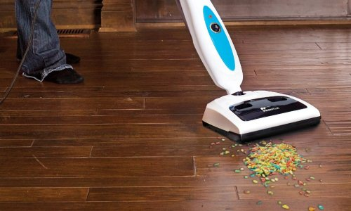 Steam cleaners for hardwood floors steam cleanery for Wood floor steam cleaner
